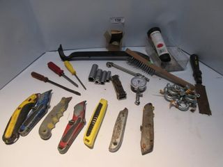 lOT  UTIlITY KNIVES  PRY BAR  MISC
