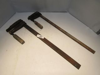 2 WOOD ClAMPS