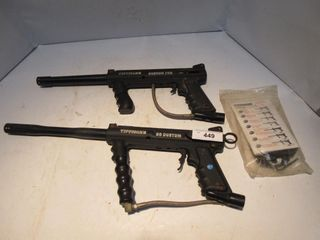 2 PAINTBAll GUNS