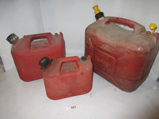 3 GAS CANS