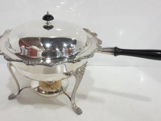 SIlVER PlATE CHAFING DISH WITH REMOVABlE HANDlE