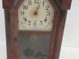 WIND UP WAll ClOCK   ANTIQUE   WITH KEYS AND