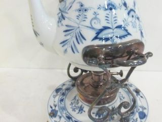 MEISSEN BlUE ONION TEA WARMER   ANTIQUE