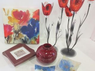 FlOWER SHAPED CANDlE HOlDERS  19 H  ROUND VASE