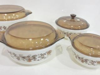 SET OF PYREX CASSEROlE DISHES   MADE IN ENGlAND