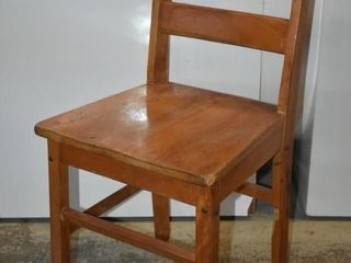 WOOD SCHOOl CHAIR  ADUlT SIZE