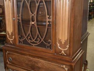 ORNATE SOlID WOOD CHINA CABINET