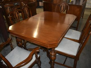 ORNATE SOlID DINING WOOD TABlE W  6 CHAIRS
