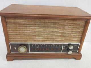 ZENITH AM FM STEREO RADIO   16 X 10 H