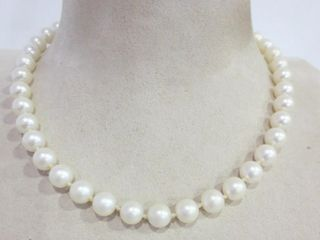 HAND KNOTTED SIMUlATED PEARl NECKlACE   16 l