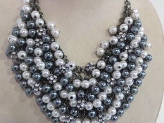 ClEOPATRA  STYlE NECKlACE   6 ROWS OF ClEAR AND