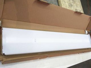 lithonia lighting SBl Wrap Shop light  Common  4 ft  Actual  9 96 in x 47 75 in  One Corner is Broke