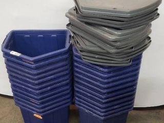 24 Triangular Storage Containers With 17 lids