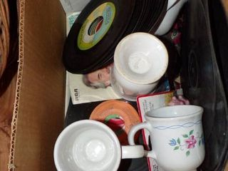 lOTS OF 45 RPM RECORDS   COUNTRY AND ROCK