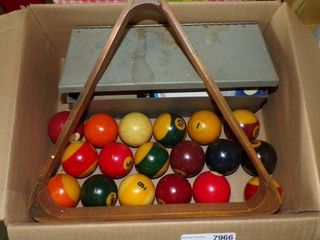 FUll SET POOl BAllS  RACK  ACC  PIECES FOR PlAYING AND REPAIR