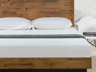 Zinus Tricia Platform Bed w  Headboard  Full  12  Wood
