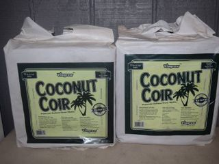2 Bags Viagrow Coconut Coir   11 Pounds