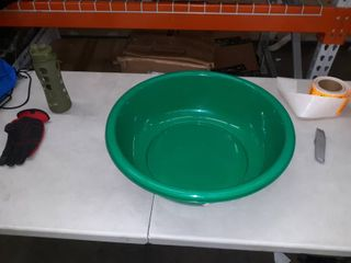 FPT Family Products large Green Bowl