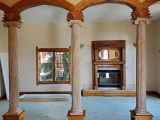 3  Architectural Columns Reclaimed From Mississippi Mansion