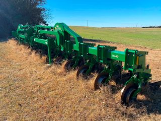 2017 Great Plains lC 40 1630 Cultivator  30  Row w Shank Option  like New
