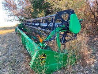 2005 JD 635F Hydra Flex Header   Parts Only  Underbelly Brackets Broken  Fine Otherwise