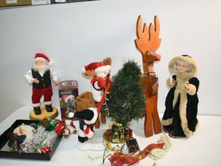 Animated Santa and Other Decor