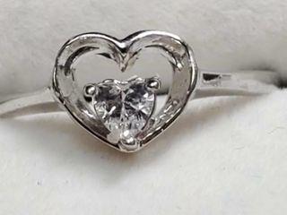Silver Cubic Zirconia Ring  Size 6 5   EC25 48