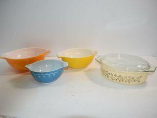 Pyrex 3 Bowls   4Qt lidded Casserole