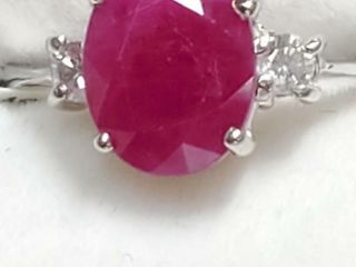 10K White Gold Ruby 2 5ct  Diamond 0 06Ct  Ring