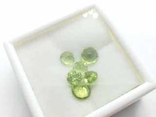 Natural Peridot 4ct  Approx value  100