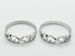 Silver lots Of 2 Ring  Size 6 5