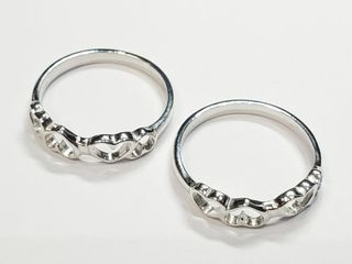 Silver lots Of 2 Ring  Size 6 75