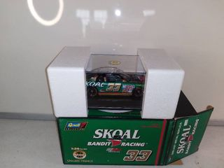 Revell Collection Skoal Bandit Racing 1 Of 6 600 Diecast Replicas