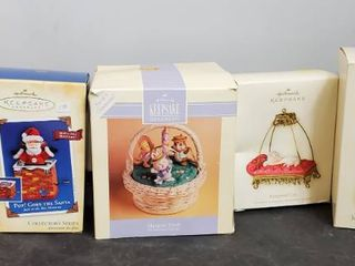 lot of 5 Hallmark Keepsake   Snow Globe and more