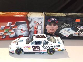 Action 1 24 Kevin Harvick 29 Gm Goodwrench black Monte Carlo
