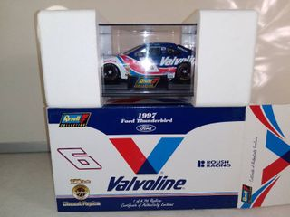 Revell Collection Valvoline 1 Of 4 716  1997 Ford Thunderbird Diecast Replica