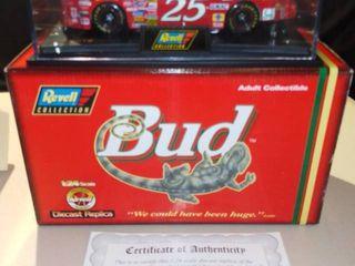 Revell Ricky Craven  25 1997 Budweiser louie the lizard Chevrolet Monte Carlo 1 24 Scale Diecast Replica