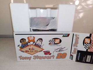 Revell Collection Tony Stewart Kids Workshop Home Depot Diecast Collectible 1 Of 2 004