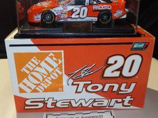 Revell Tony Stewart  20 2000 Home Depot Pontiac 1 24 Scale Diecast Replica