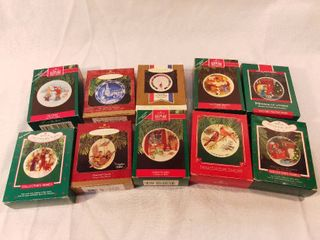lot of 10 Hallmark Keepsake Ornament Christmas Collectors Plates Ornaments