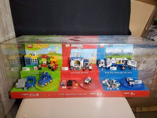 lEGO Emergency Vehicle Collection  DUPlO JUNIORS CITY