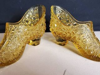 Vintage  Fenton Glass  Amber Daisy and Button 5 75  Trinket Dish Shoe