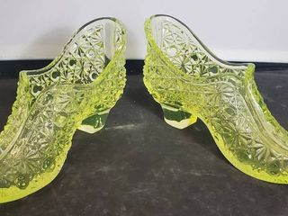 Pair of Fenton Glass Shoes  Button and Daisy