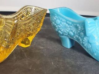 lot of 2 Fenton Glass Shoes with Button and Daisy and Bows