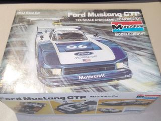 Monogram Ford Mustang 1 24 Scale Model Kit