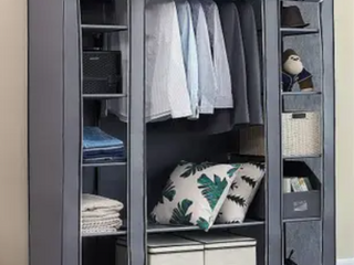 Portable Clothes Closet Unit w  Cover