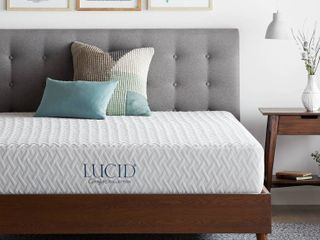 Full 10  Comfort Collection Plush Gel Memory Foam Mattress   lucid