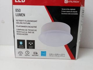 Utilitech 6 9 in White led Flush Mount light Energy Star