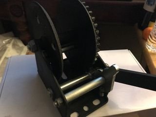 New manual winch