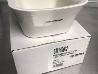 Hi Dollor  Cold master food container put in freezer keeps food cold outside for hours